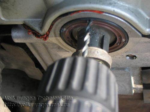 Замена сальников коленвала, распредвала на двигателе Фольксваген 2E