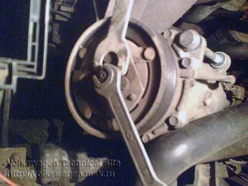 фольксваген воет компрессор кондиционера