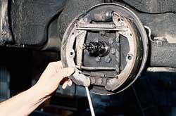 volkswagen passat b3 замена задних тормозных колодок