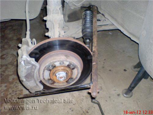 Замена рулевой тяги на Фольксваген Пассат Б3-Б4