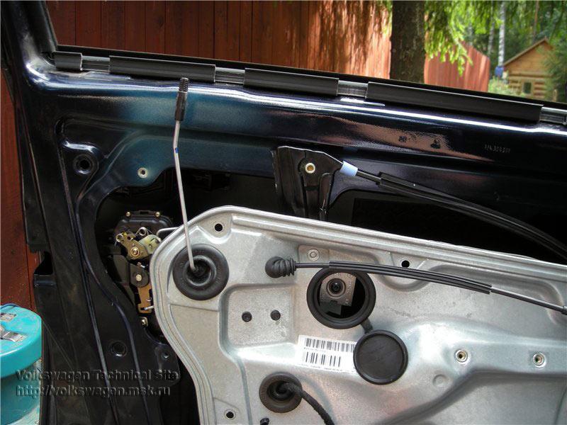 Ремонт центрального замка двери и установка ремкомплекта стеклоподъемника