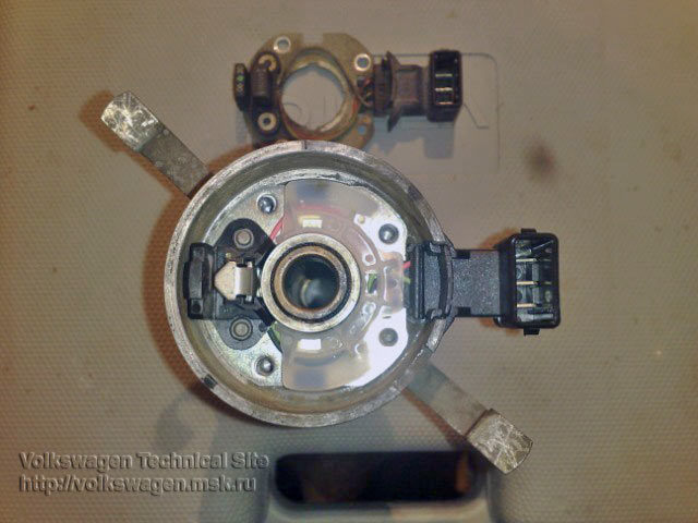 Замена датчика холла, распределитель зажигания Bosch