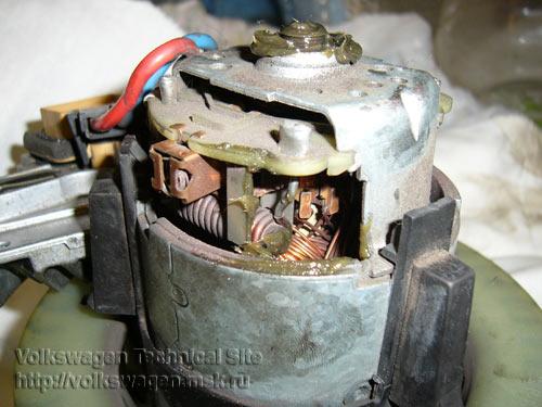 Фольксваген Пассат Б5 разборка моторчика печки