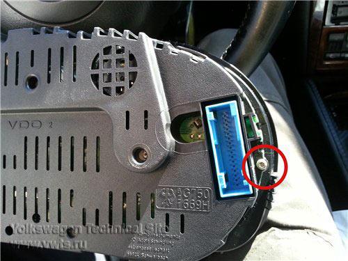 Снятие приборной панели в Volkswagen Golf 4 / Bora