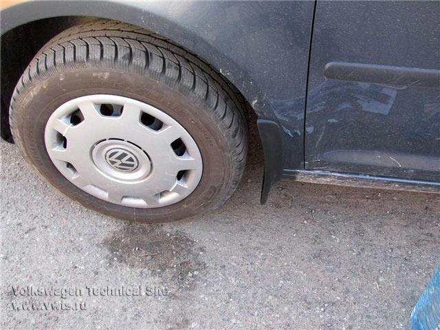Установка оригинальных брызговиков на VW Caddy