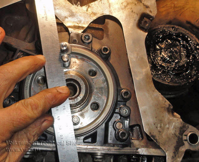 Замена заднего сальника коленвала на двигателе Фольксваген BXE