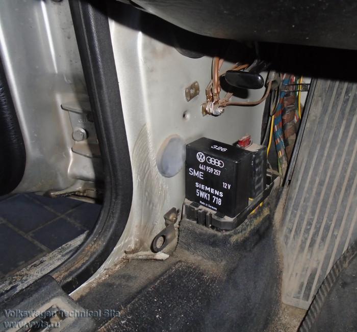 Ремонт реле стеклоподъемников Audi 100