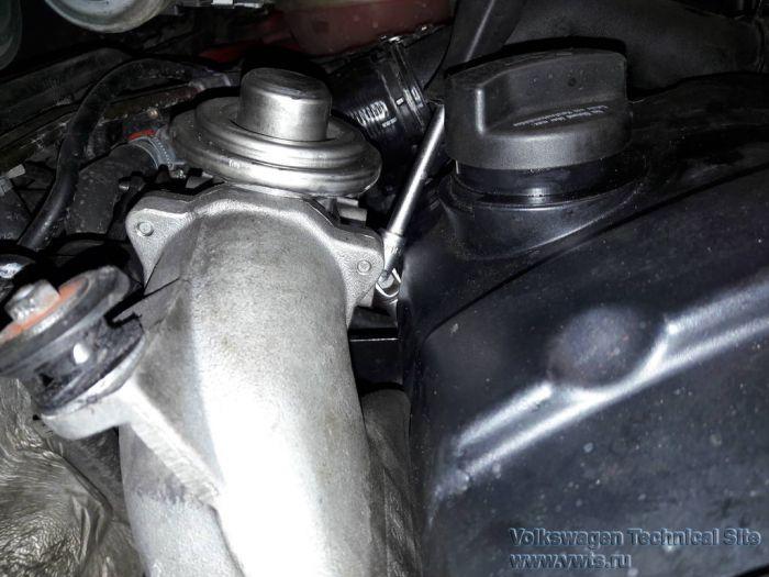 Замена прокладки клапанной крышки двигателя на Фольксваген Шаран