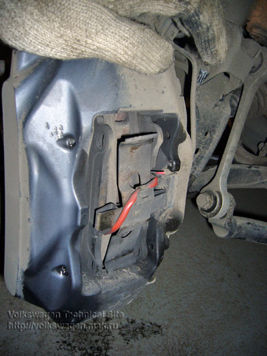Замена передних тормозных колодок Фольксваген Туарег