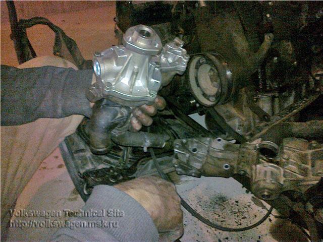 Замена водяного насоса (помпы) на двигателе