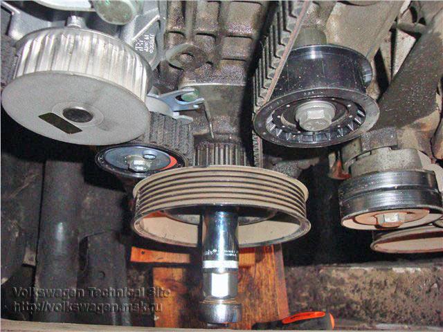 Замена ремня ГРМ на двигателе AKQ, замена радиатора VW Golf 4