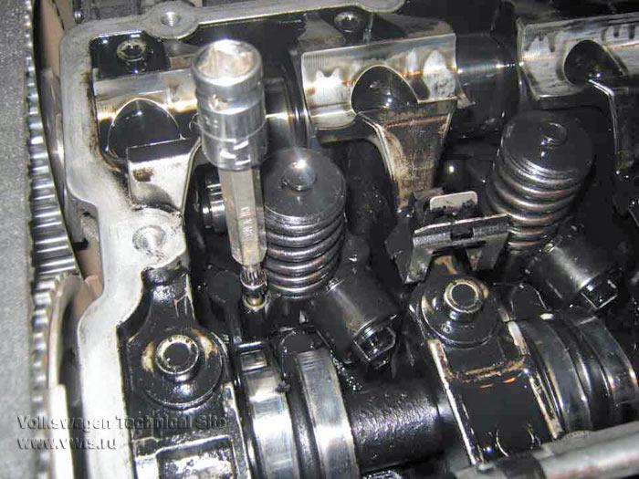 Cнятие и мойка насос-форсунок на дизельном двигателе