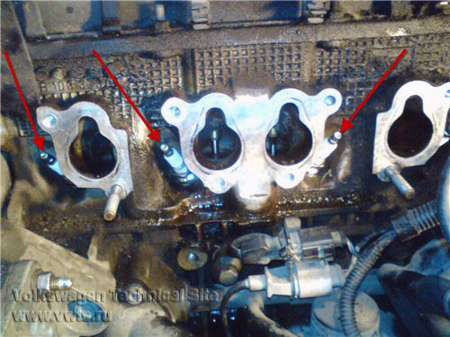 Замена прокладок впускного коллектора на Фольксваген Гольф 4