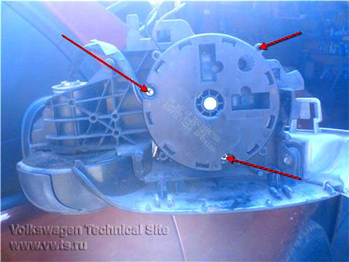 Замена повторителя поворота бокового зеркала
