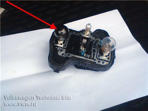 Замена ламп в задних фонарях