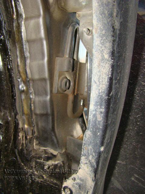 Замена дверной петли Фольксваген Гольф 5