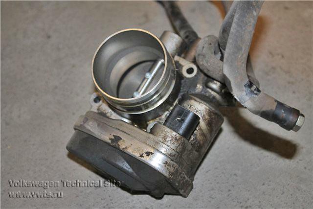Замена прокладки крышки клапанов на двигателе Фольксваген 1.6 BSE